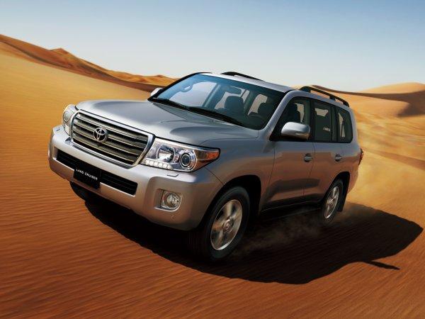 «Обычная маршрутка в Дубае»: Шестидверный Toyota Land Cruiser «по-арабски» восхитил сеть