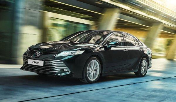 Skoda Superb или Toyota Camry: Блогер выяснил, стоит ли переплачивать за «Шкоду»