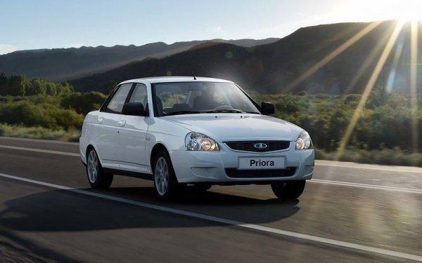 Кто быстрее: Энтузиасты сравнили LADA Priora и Hyundai Solaris в гонке