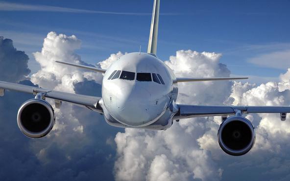 В ямальском аэропорту рассказали, почему вместо посадки самолету из Тюмени пришлось пойти на второй круг