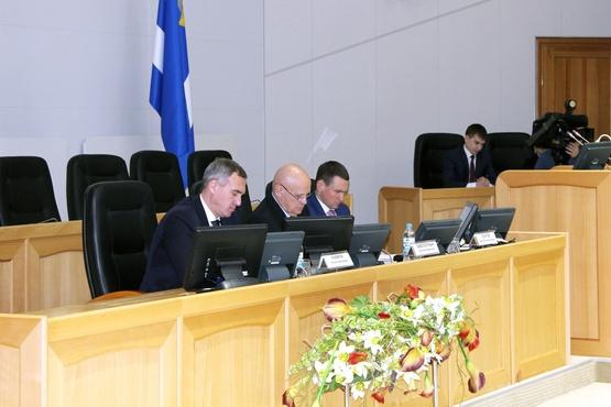 Для эффективной работы с наказами избирателей тюменские депутаты выработают новые механизмы