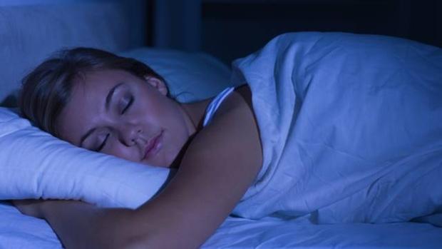 Специалист рассказал о необходимости дневного сна на рабочем месте