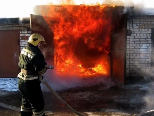 В Салехарде в сильном пожаре погиб мужчина
