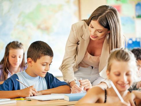 Учительница из школы в Упорово получил приз «ученических симпатий»
