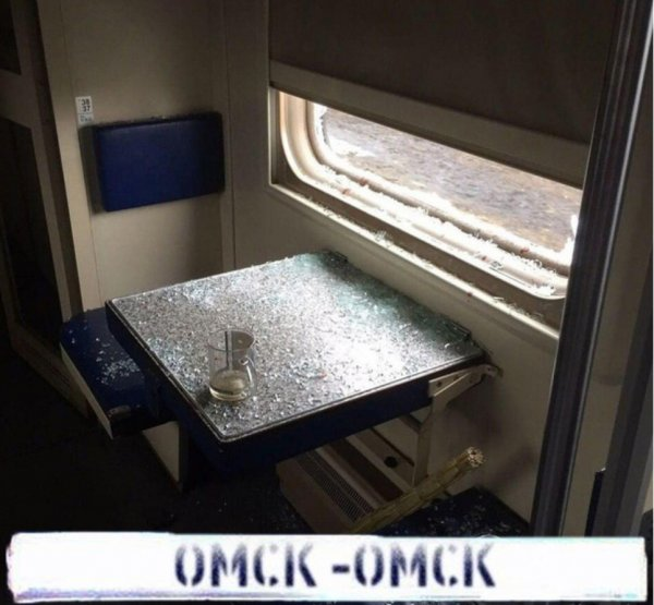 «Осознал, что едет в Омск»: Пассажир РЖД выпрыгнул в окно на скорости 120 км/ч