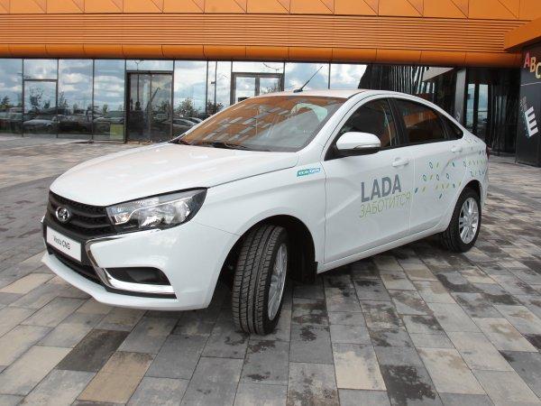Хорошее вложение: Выгодно ли работать на газовой LADA Vesta CNG, рассказал таксист