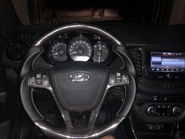 Салон от Mercedes и люк: Тюнингованная LADA Vesta удивила сеть