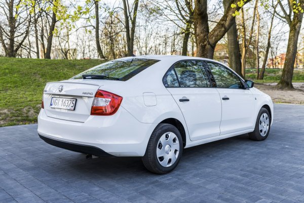 Пересел с «Весты» на Rapid: Автовладелец назвал основные плюсы Skoda перед «тазом»
