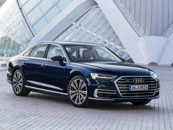 «Очень крутая тачка»: Бешеный ВАЗ-2104 «порвал» Audi A8 в гонке по прямой