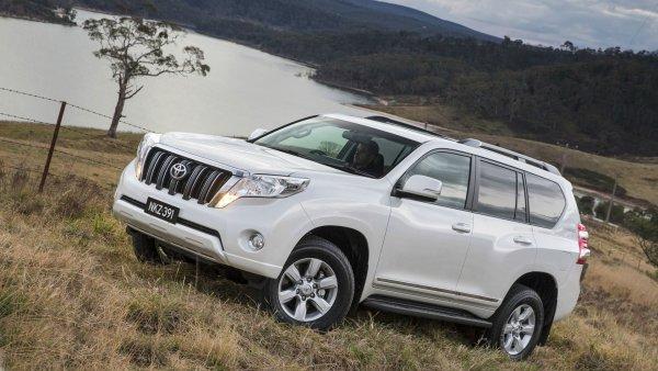 «Прадика заменит только Прадик»: Владельца Toyota Land Cruiser Prado отговорили в сети от покупки паркетника