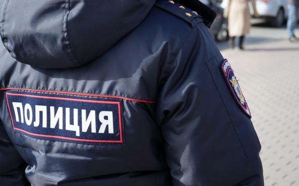 Решил наказать за сопротивление. В Тобольске полицейского обвиняют в избиении задержанного