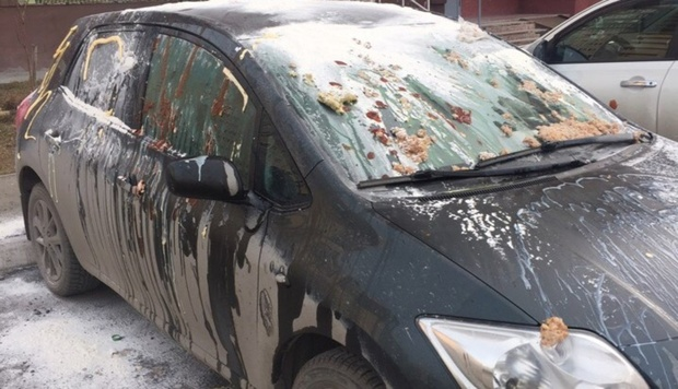 Привет от бывшей: машину тюменца изуродовали при помощи