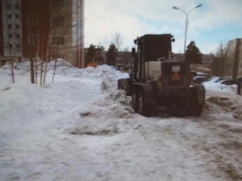 Придавило снегом и лопатой автогрейдера. В Югре следователи расследуют инцидент, в котором серьезно пострадал ребенок