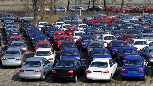 Большинству автомобилей в России старше 10 лет