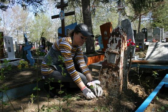 Жители Ялуторовска уберутся на могилах ветеранов