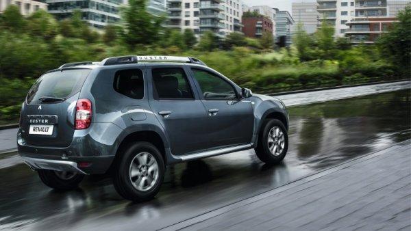 «Вся в соплях»: Как дёшево починить потёкшую трубку ГУР Renault Duster – рассказали в сети