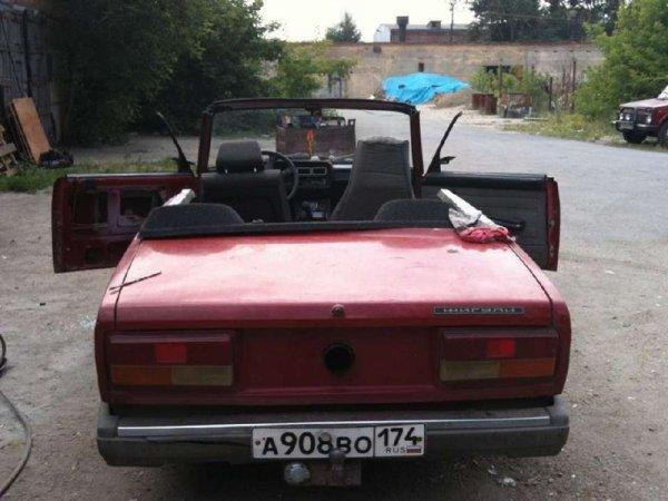 «Я буду на красном корыте»: Переделанный под кабриолет ВАЗ-2107 насмешил пользователей сети