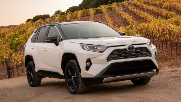 «Минус может быть один – владелец»: Слабые места Toyota RAV4 2019 назвали в сети