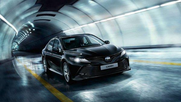 Защитить дешевле, чем ремонтировать: О самостоятельных доработках новой Toyota Camry рассказал владелец