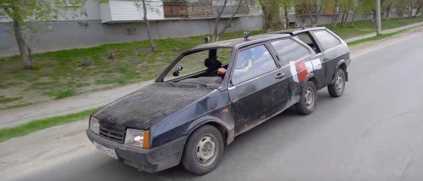 «Лимузин из Восьмёрки»: Переработанный 6-колесный ВАЗ-2108 показали блогеры