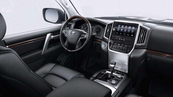 «Чипанул дизель»: О повышении мощности Toyota Land Cruiser 200 рассказал блогер