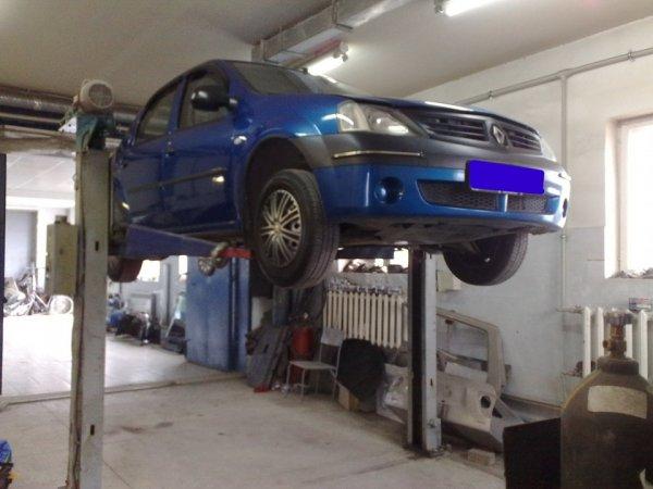 Как «Жигули»: Честно о своем Renault Logan рассказал блогер