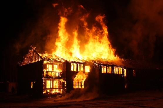 Страшная смерть: пожилая югорчанка не смогла выбраться из горящего здания