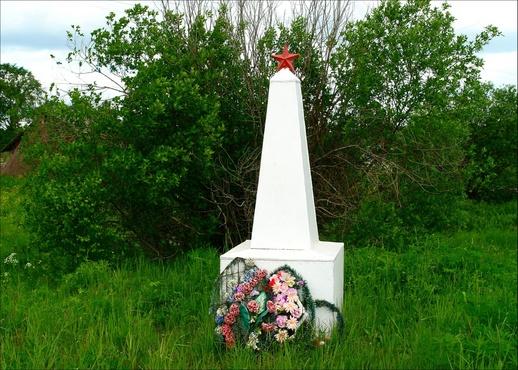 Тюменцы взяли шефство над обелиском в деревне Криводанова