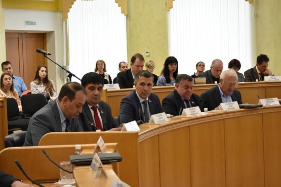Тюменские депутаты озадачились техническим состоянием муниципального жилого фонда