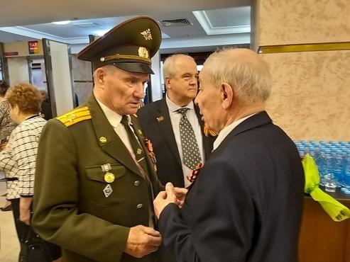 Губернатор Тюменской области встретился с ветеранами