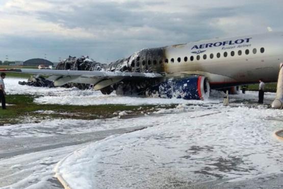 Губернатор Тюменской области выразил соболезнования близким погибших в авиакатастрофе в Шереметьево