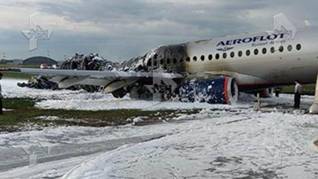 Трагедия в Шереметьево: Загорелся самолет Москва-Мурманск, 10 погибших