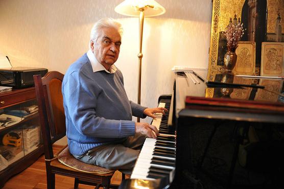 Скончался автор песни «Крылатые качели» Евгений Крылатов