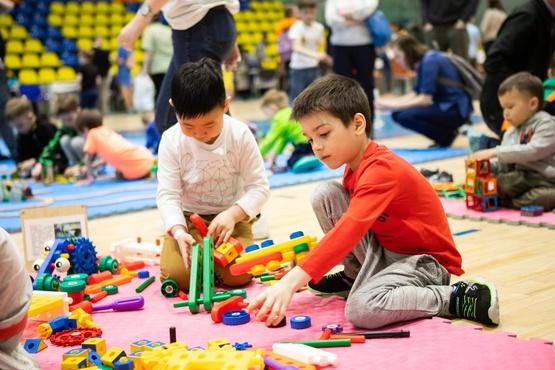 Тюменскую семейную игротеку посетило 905 человек