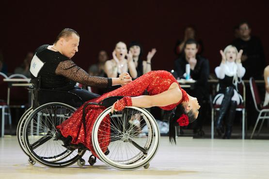 Тюменцев приглашают на Кубок России по спортивным танцам на колясках