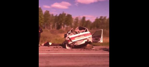 «Машина всмятку и труп рядом». Два человека разбились насмерть в страшном ДТП на тюменской трассе