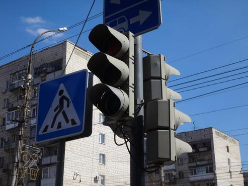 Сегодня в Тюмени отключат 4 светофора: адреса