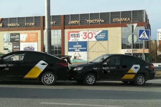 Кого берут в «Яндекс.Такси»? Эксперимент