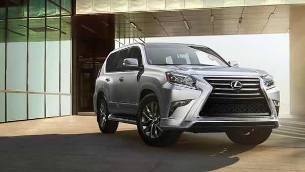 Крутой или ещё круче? О выборе между Toyota LC 200 и Lexus GX порассуждали в сети
