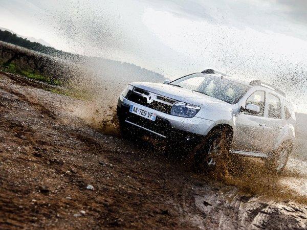 «Устраивает всё, кроме расхода»: О преимуществах бензинового Renault Duster перед дизельным, рассказали в сети