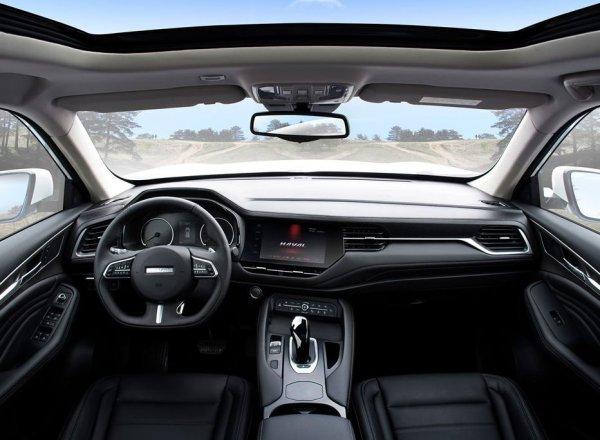 «Выглядит как Lexus, едет как Китай»: Тест-драйв нового Haval F7 провел автоэксперт