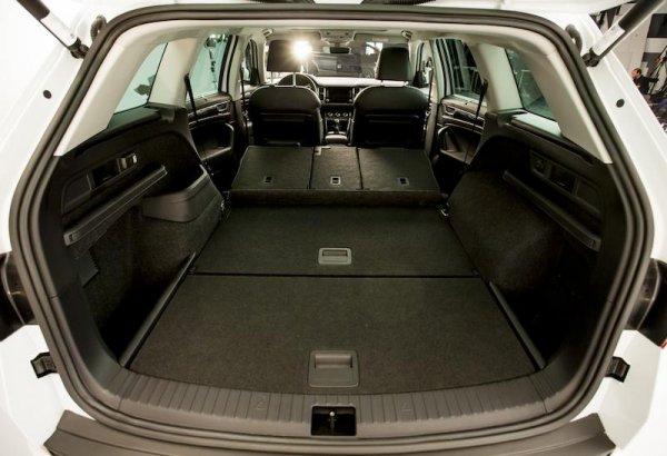 «ГАЗель не нужна!»: Владельца Skoda Kodiaq поразила вместимость багажника