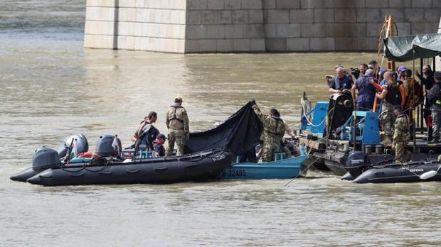 Обнаружены тела еще двоих погибших в прогулочном катере