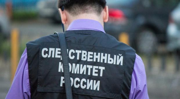 Бил палкой, руками, ногами, душил проволокой: житель Тюменской области несколько дней убивал друга - фото