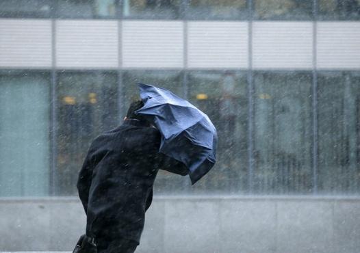 Штормовое предупреждение: тюменцев вновь ждет непогода