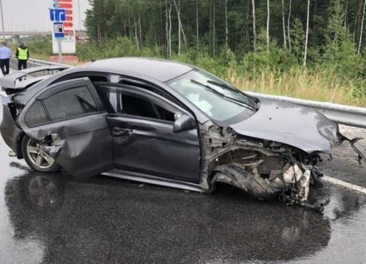 Водитель и пассажир не были пристегнуты: в страшном ДТП на югорской трассе погибла женщина