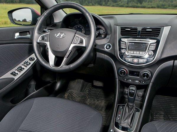 «Ржавеет, как старый Опель»: В сети обсудили склонность Hyundai Solaris к «рыжикам»