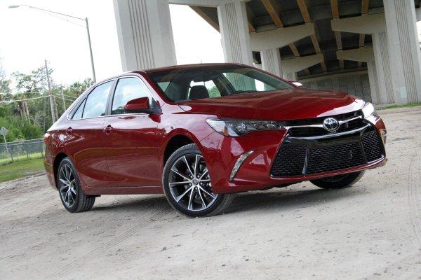Газ или бензин? Водитель рассказал, на какой Toyota Camry лучше «таксовать»