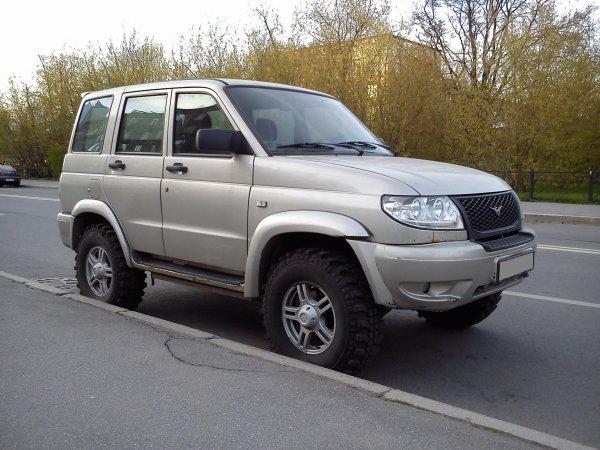 «Отпал бак. Всё проржавело»: Блогер показал прогнивший насквозь УАЗ «Патриот»