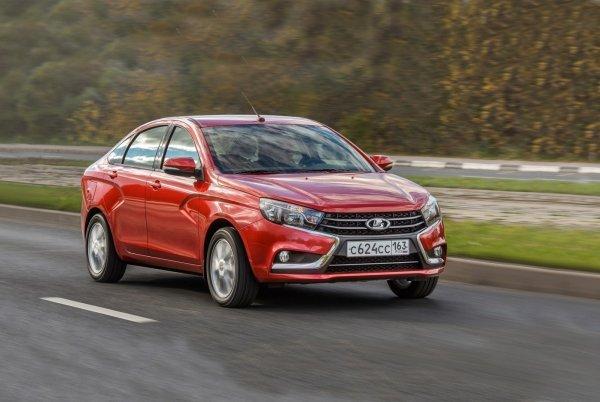 Кто быстрее и лучше? В сети сравнили 2-годовалые Renault Logan и LADA Vesta